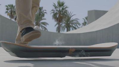 Lexus presentará en agosto un monopatín volador como el de 'Regreso al futuro'