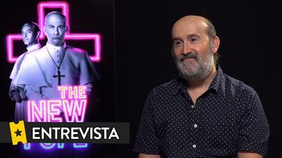 """Entrevista a Javier Cámara por 'The New Pope': """"Me gusta mucho que mi personaje ame, en el sentido más físico de la palabra"""""""