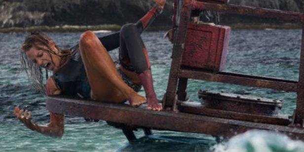 'Infierno azul' y otras 10 películas de tiburones