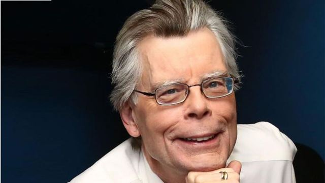 Stephen King pide a Netflix que readapte su bestseller 'La Cúpula' como serie