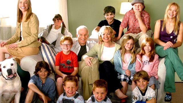 Hilary Duff y el reparto de 'Doce en casa' vuelven a reunirse 17 años después