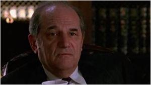 Steven Hill, veterano actor de 'Ley y orden', fallece a los 94 años