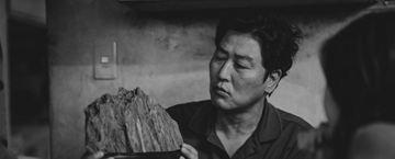 'Parásitos': tráiler y póster de la versión en blanco y negro de la comedia negra de Bong Joon Ho