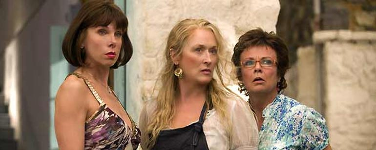'Mamma Mia! La película': Christine Baranski confirma su regreso a la esperada secuela