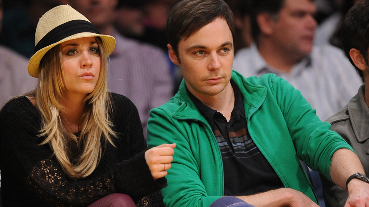 Kaley Cuoco y Jim Parsons dejan 'The Big Bang Theory' atrás y acaban nominados en los Globos de Oro