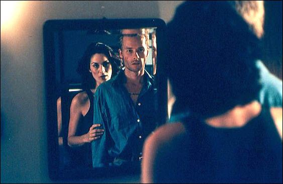 Memento : Foto Carrie-Anne Moss, Guy Pearce