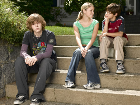 Foto Evan Peters, Laura Ramsey, Zach Maurer