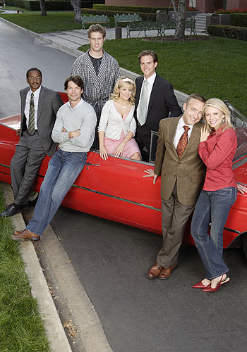 Foto Allison Munn, Faith Ford, Jerry Minor, Jerry O'Connell, T.J. Miller