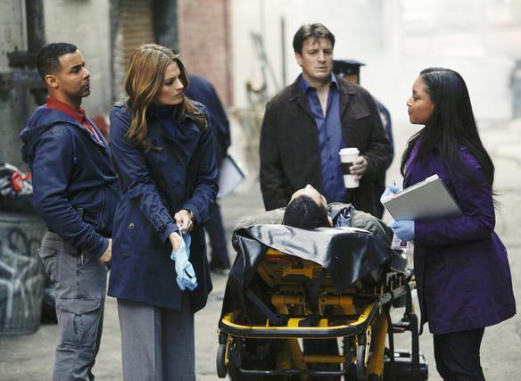 Foto Jon Huertas, Nathan Fillion, Stana Katic, Tamala Jones