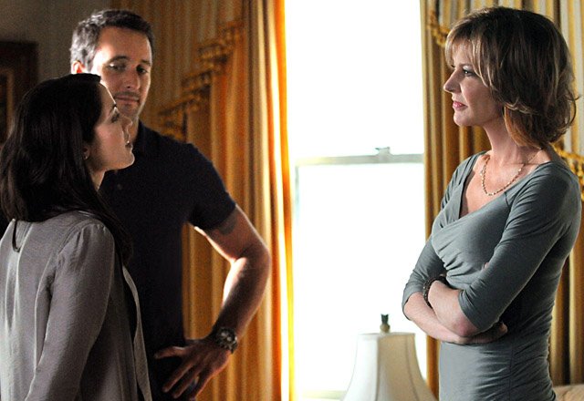 Foto Alex O'Loughlin, Christine Lahti, Michelle Borth