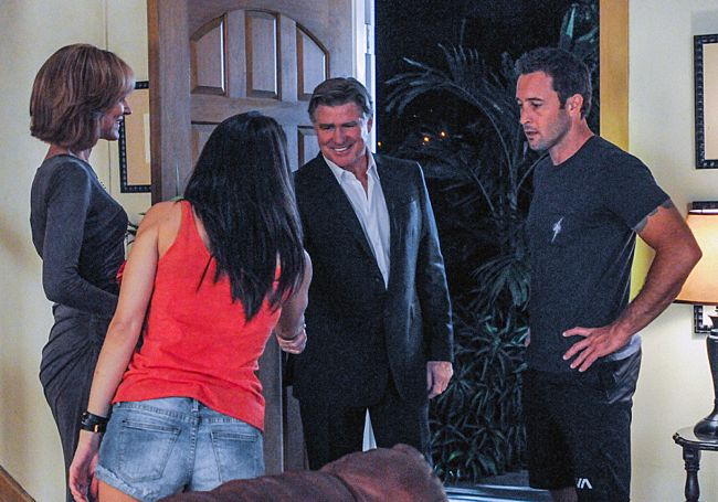 Foto Alex O'Loughlin, Christine Lahti, Michelle Borth, Treat Williams