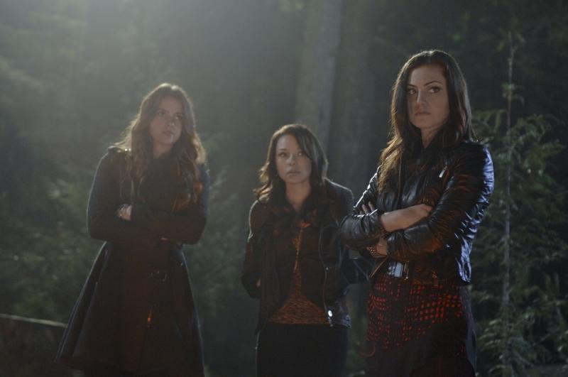 Foto Jessica Parker Kennedy, Phoebe Tonkin, Shelley Hennig