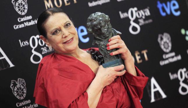 Recogiendo el Goya a Mejor Actriz por 'Las Brujas de Zugarramurdi'