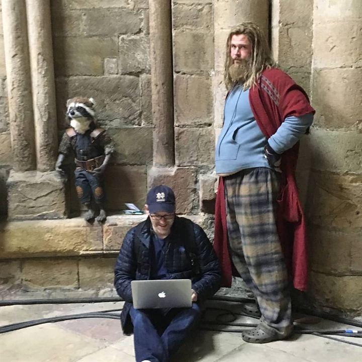 Rocket y Thor en Asgard