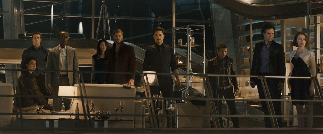 Vengadores: La era de Ultrón : Foto Chris Evans, Chris Hemsworth, Claudia Kim, Cobie Smulders, Don Cheadle