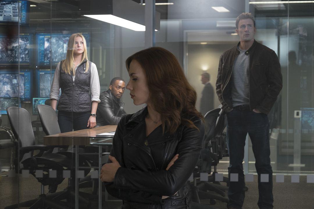 Capitán América: Civil War : Foto Anthony Mackie, Chris Evans, Emily VanCamp, Scarlett Johansson