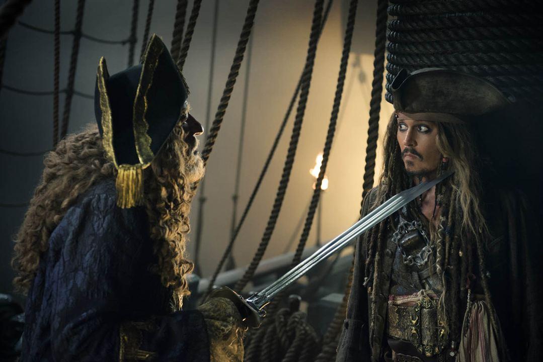 Piratas del Caribe: La venganza de Salazar : Foto Geoffrey Rush, Johnny Depp