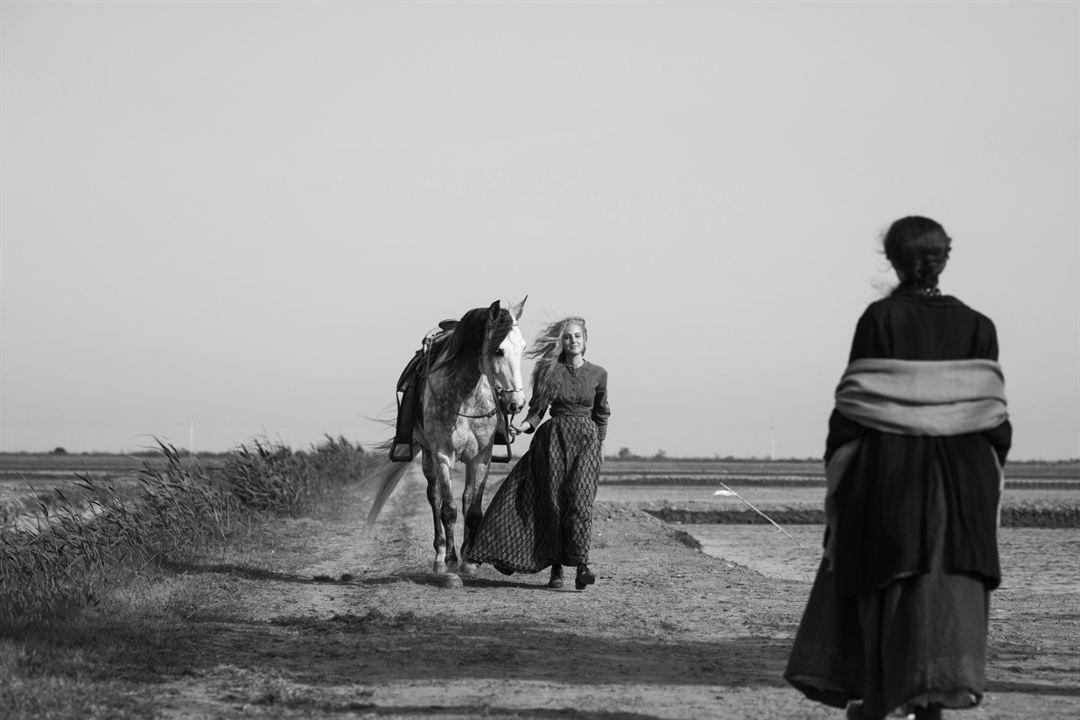 Elisa y Marcela : Foto Greta Fernández, Natalia de Molina