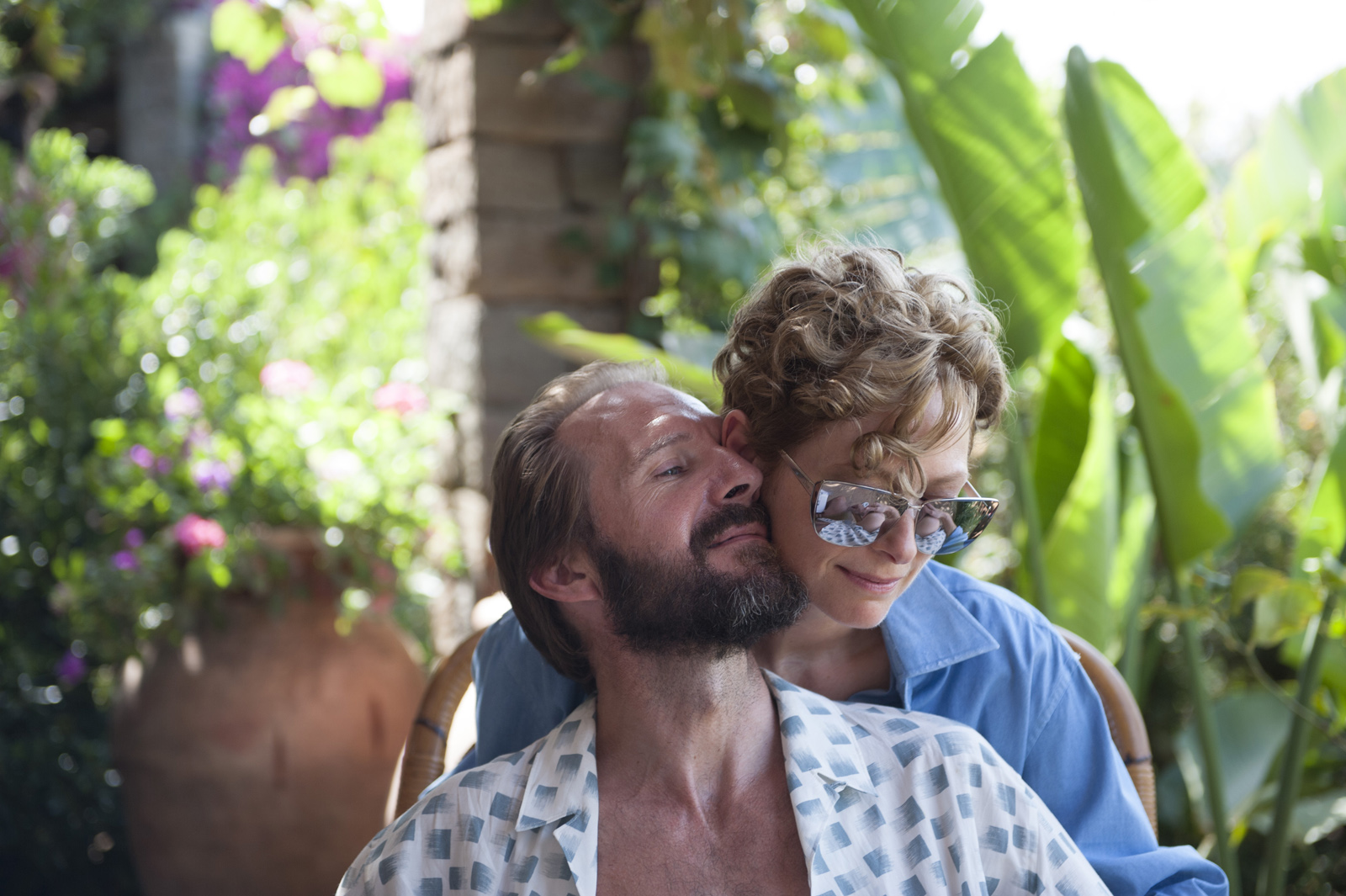 Ralph Fiennes y Tilda Swinton en Cegados por el sol