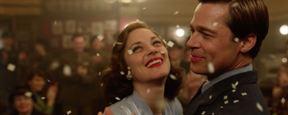'Aliados': Brad Pitt y Marion Cotillard, a punto de besarse en el póster de la película