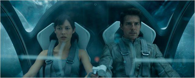 Tom Cruise y su 'Oblivion' se mantienen en el primer puesto en un fin de semana desastroso