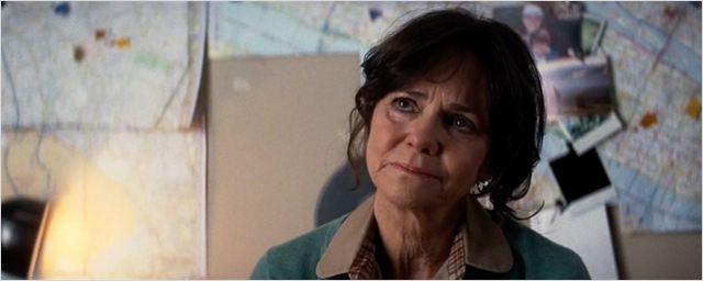 'Spider-Man': Sally Field ríe ante la idea de hacer un 'spin-off' sobre la tía May