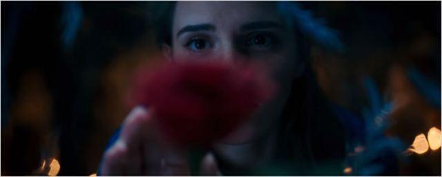 'La Bella y la Bestia': La rosa encantada, protagonista del primer 'teaser' póster de la película