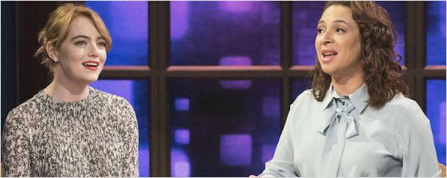 Maya Rudolph y Emma Stone interpretan una canción con envases de mantequilla