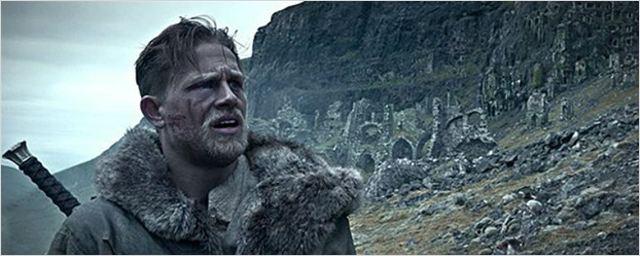 'King Arthur': Nuevas imágenes de la película protagonizadas por Jude Law y Charlie Hunnam
