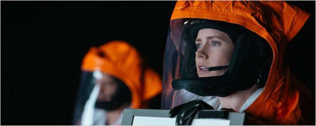 'La llegada': Amy Adams contacta con los extraterrestres en los primeros clips de la película