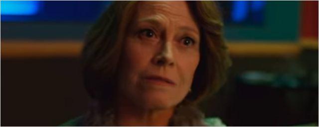 'The Defenders': Nuevo e impactante tráiler narrado por la villana Alexandra (Sigourney Weaver)