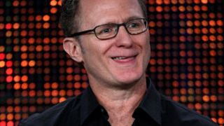 Todd Holland dirigirá la comedia sobrenatural 'Isabel' de NBC