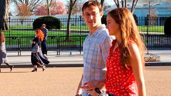 'Snowden': Joseph Gordon-Levitt y Shailene Woodley protagonizan la nueva foto