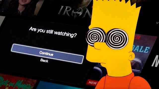 Atracón de sofá y Netflix: qué pasa en tu cuerpo cuando haces un maratón de series