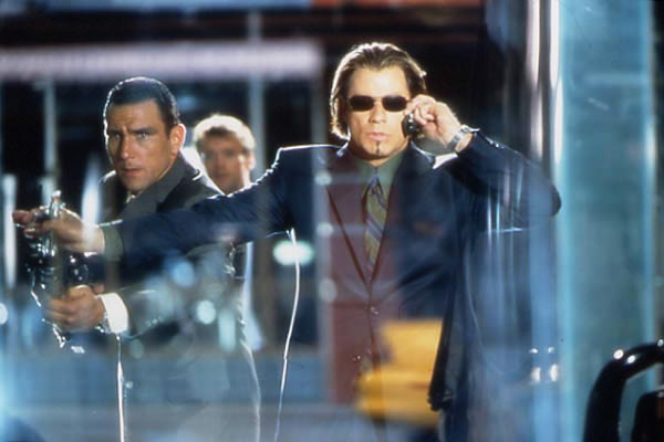 Operación Swordfish: Vinnie Jones, Dominic Sena, John Travolta