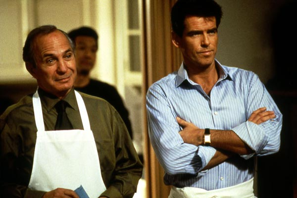 El secreto de Thomas Crown: Pierce Brosnan, Ben Gazzara