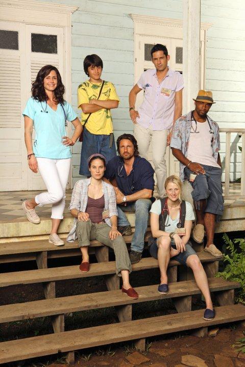 Lejos de todo : Foto Enrique Murciano, Jason George (II), José Julián, Mamie Gummer, Martin Henderson