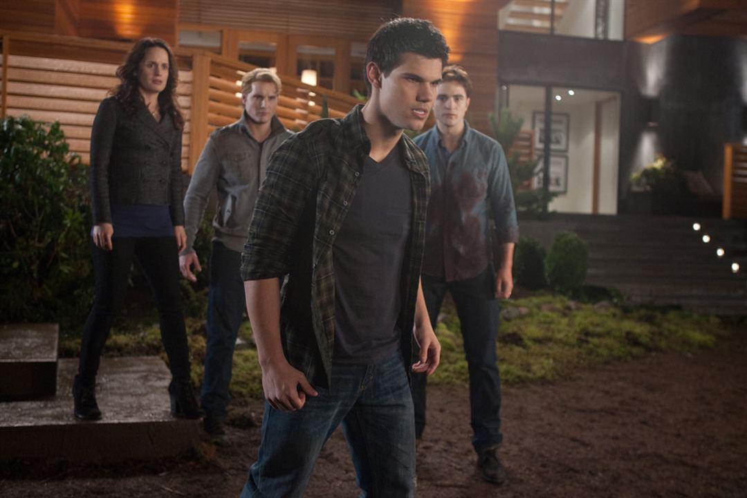 La saga Crepúsculo: Amanecer - Parte 1 : Foto Elizabeth Reaser, Peter Facinelli, Robert Pattinson, Taylor Lautner