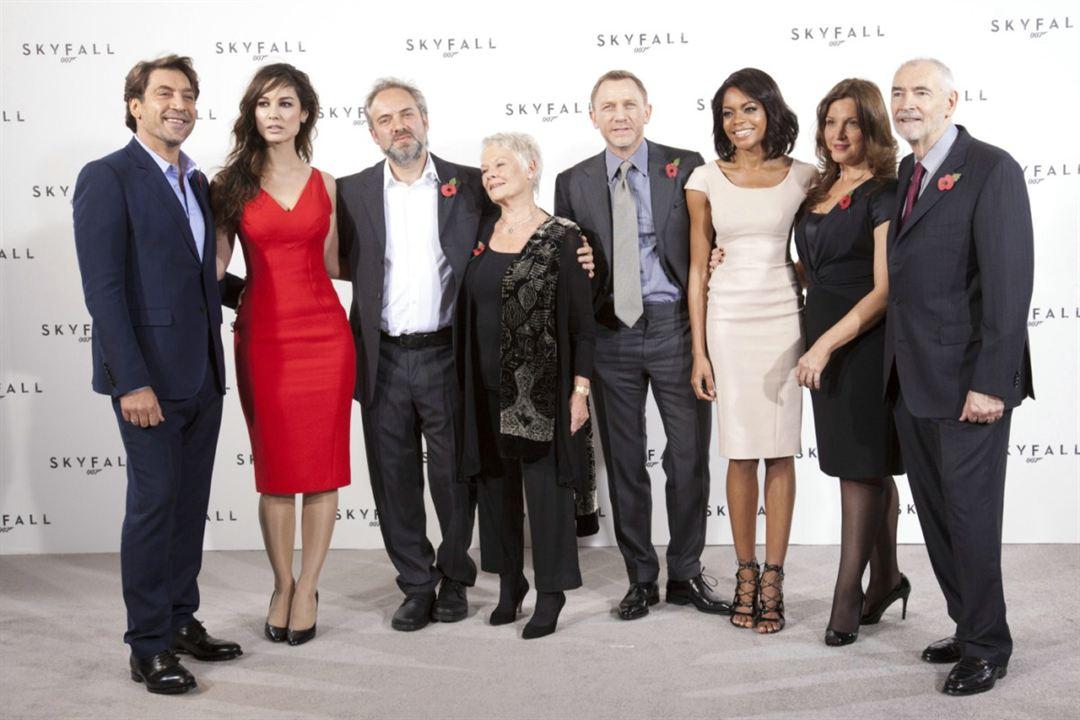 Skyfall : Couverture magazine Barbara Broccoli, Bérénice Marlohe, Daniel Craig, Javier Bardem, Judi Dench