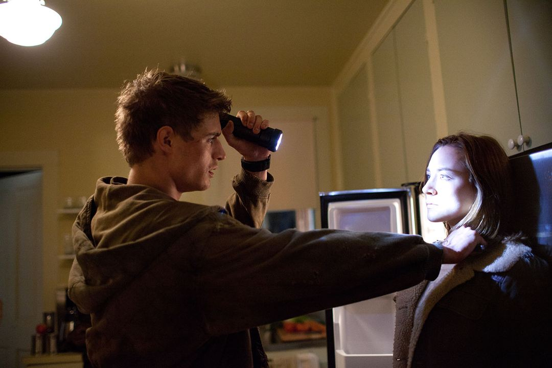 The Host (La huésped): Saoirse Ronan, Max Irons