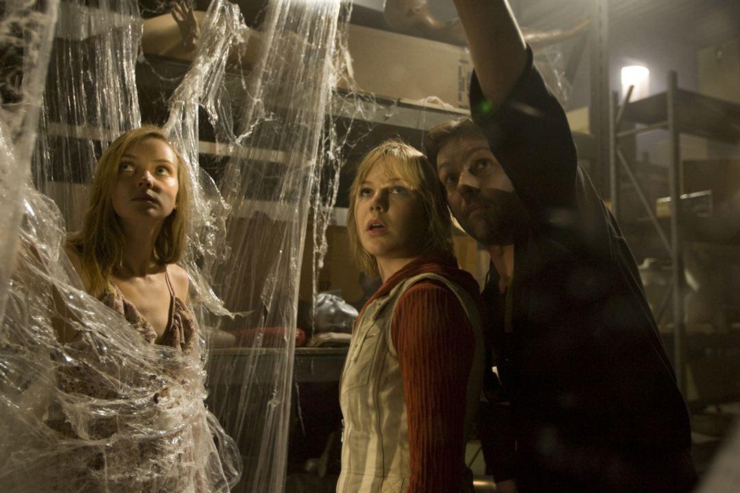 Silent Hill: Revelation : Foto Adelaide Clemens, Erin Pitt, M.J. Bassett