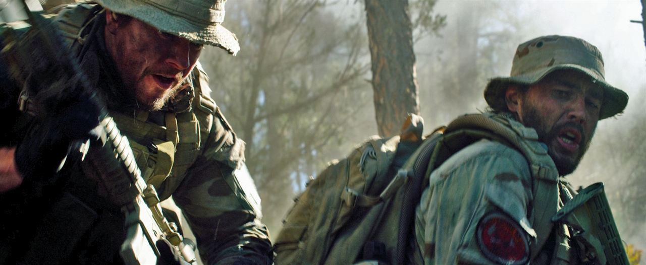 El único superviviente: Mark Wahlberg, Taylor Kitsch