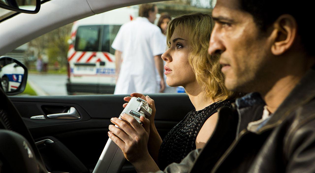 Lucy: Amr Waked, Scarlett Johansson