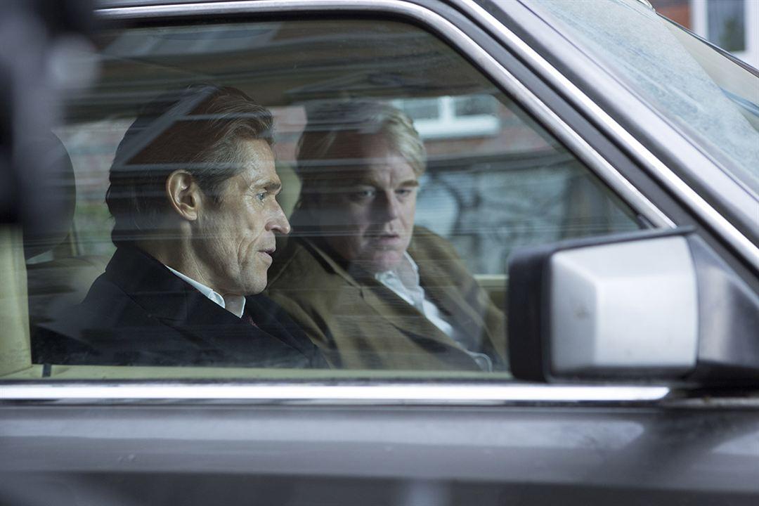 El hombre más buscado: Philip Seymour Hoffman, Willem Dafoe