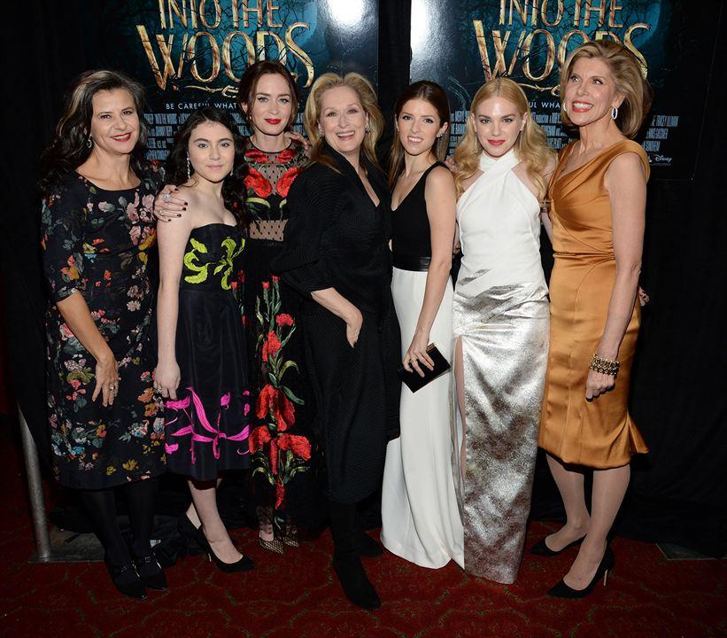 Into The Woods : Couverture magazine Anna Kendrick, Christine Baranski, Emily Blunt, Lilla Crawford, MacKenzie Mauzy