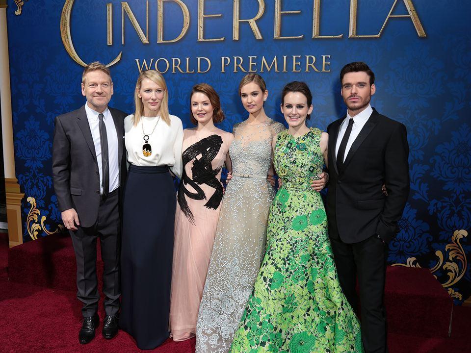 Cenicienta: Kenneth Branagh, Holliday Grainger, Sophie McShera, Cate Blanchett, Richard Madden, Lily James
