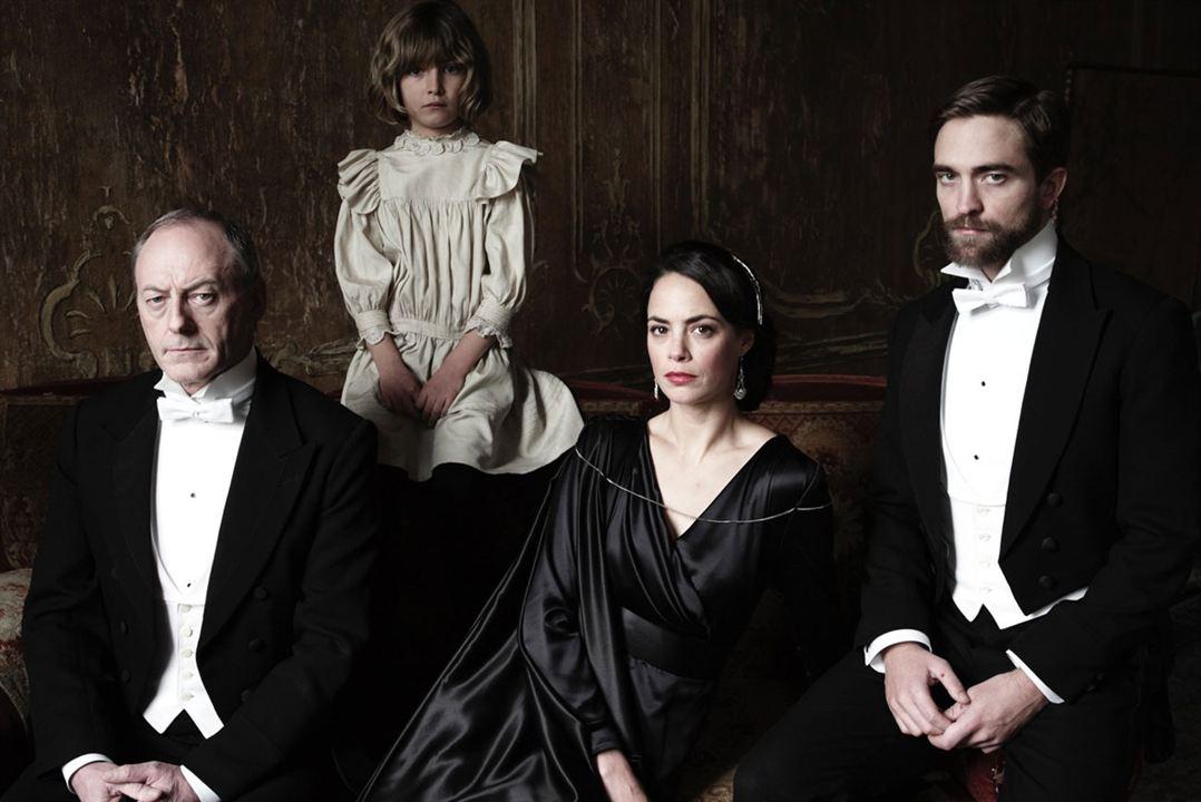 La infancia de un líder : Foto Bérénice Bejo, Liam Cunningham, Robert Pattinson