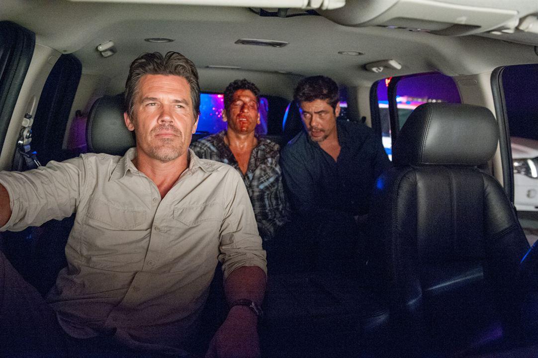 Sicario : Foto Benicio Del Toro, Jon Bernthal, Josh Brolin