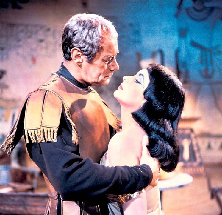 Cléopatra: Elizabeth Taylor