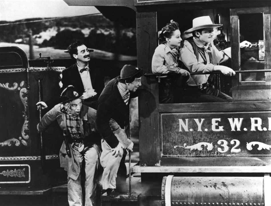 Los hermanos Marx en el Oeste : Foto Chico Marx, Groucho Marx, Harpo Marx